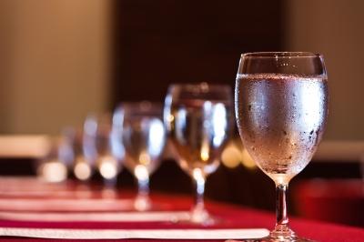 """""""Não beber água durante as refeições ajuda a controlar o peso"""""""